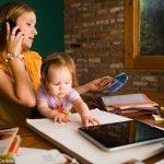 Kisgyermeket nevelő szülők munkaerőpiaci visszatérését ösztönző ösztöndíj