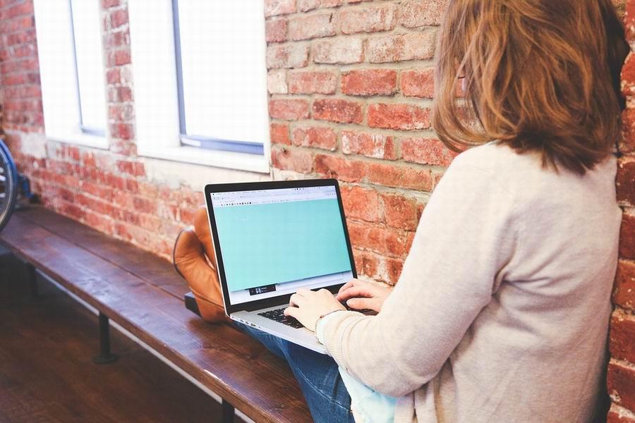 Fiatalok vállalkozóvá válásának támogatása